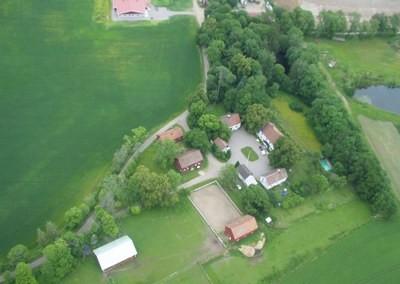 Flygfoto över Berga gård, Fjugesta